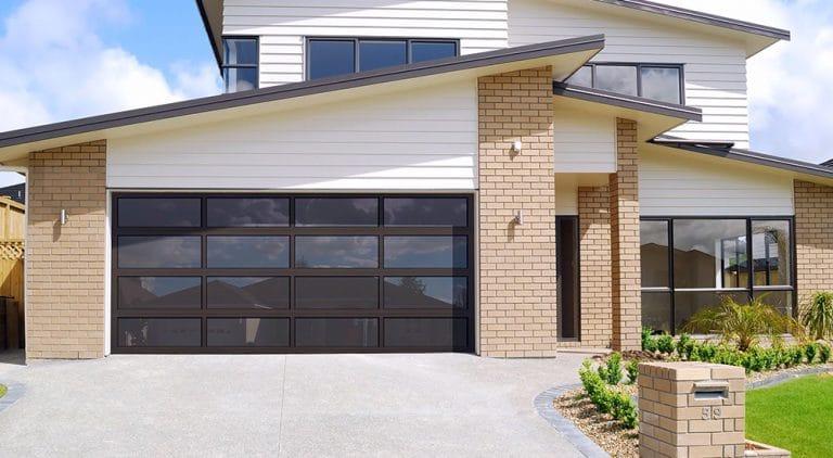 Great curb appeal garage door design